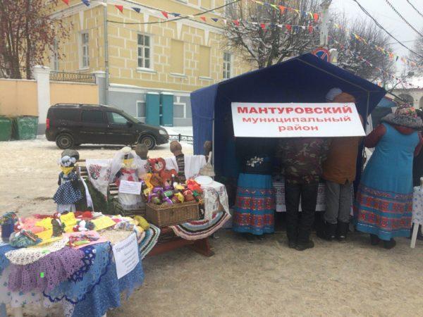 Кострома гуляет набольшой «Губернской ярмарке»