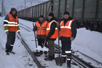 В трудовых коллективах: Большой снегопад