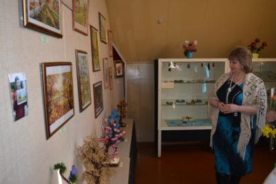 Выставка: «Фантазии полёт и женских рук творенье»