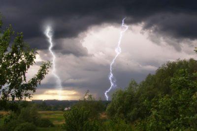 В Костромской области ожидаются грозы и усиление ветра