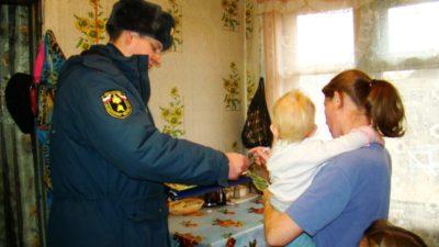 Главам районов Костромской области необходимо принять исчерпывающие меры для обеспечения пожарной безопасности в жилом секторе