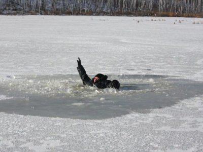 Осторожно: тонкий лёд! Есть первая жертва