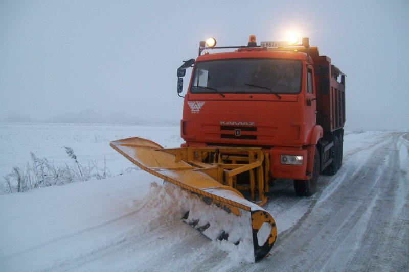 Борьба со снежными заносами  продолжается