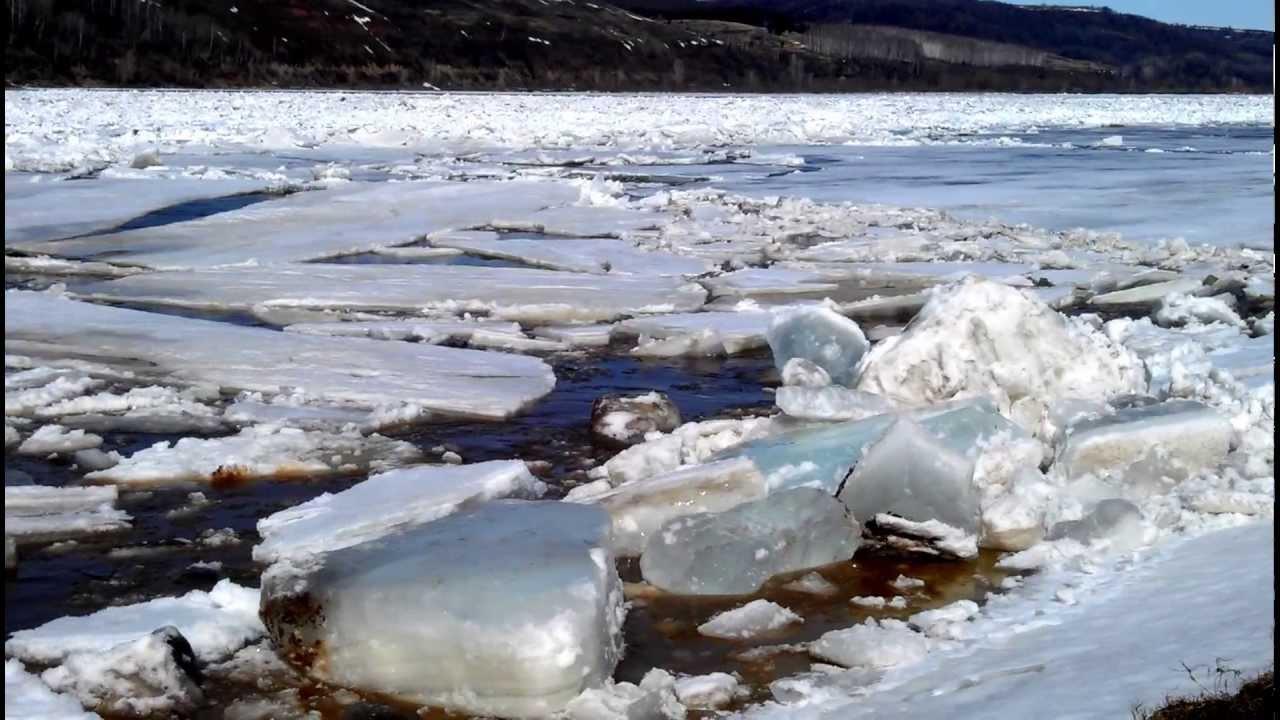 В Костромской области на всех водоемах идет активное разрушение льда