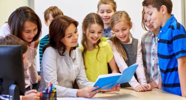 Более 3,5 тысяч педагогов Костромской области получат с 1 сентября федеральную доплату за классное руководство