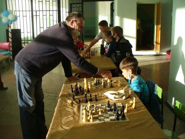 Детский шахматный клуб «Белая ладья» г.о. г. Мантурово Костромской области вновь собирает юных шахматистов