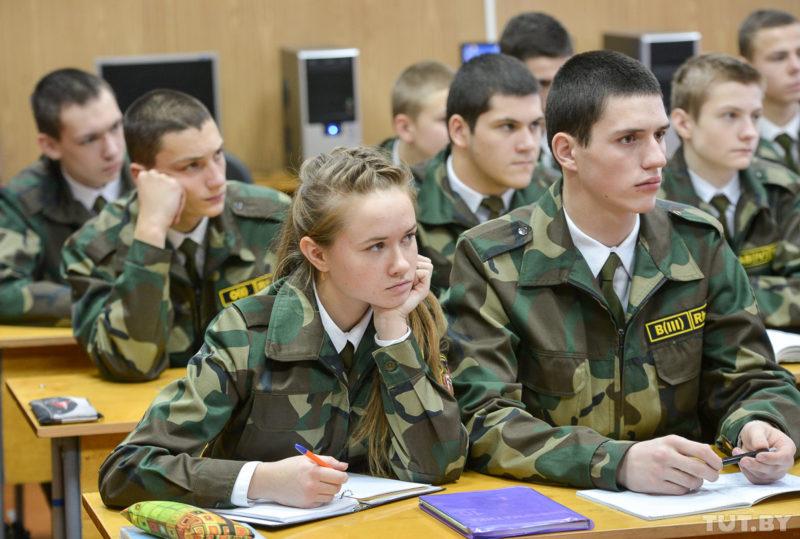 Военные вузы  приглашают  абитуриентов