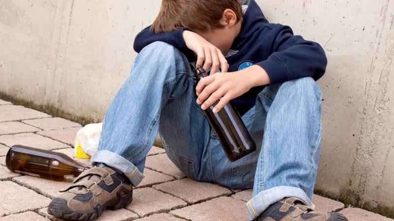КДН и ЗП  информирует: Подростковый алкоголизм: статистика тревожная