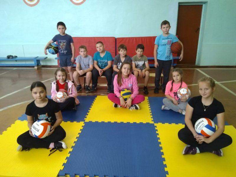 В рамках НП «Образование»: Ценный спортивный груз прибыл в школу № 2