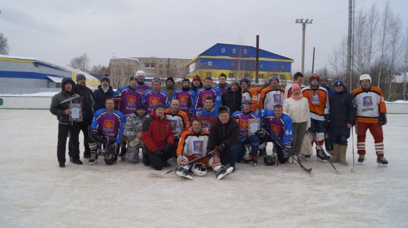 Шайбу! Шайбу!: Ледовый турнир памяти земляка