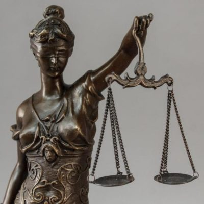 Из зала суда: Водитель несёт ответственность за своих пассажиров