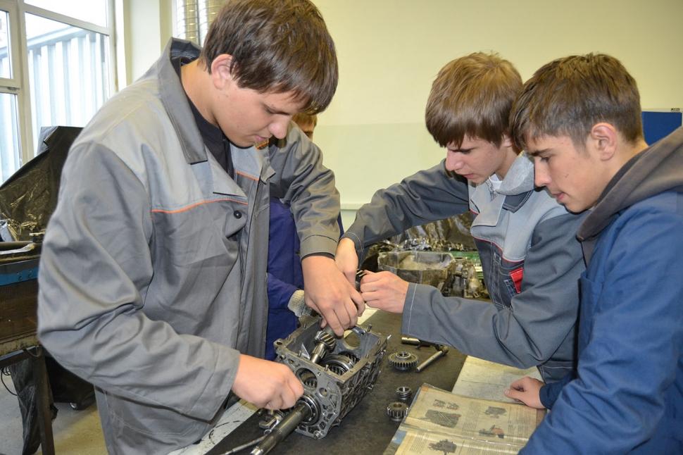 У молодёжи растёт спрос на профессиональное образование