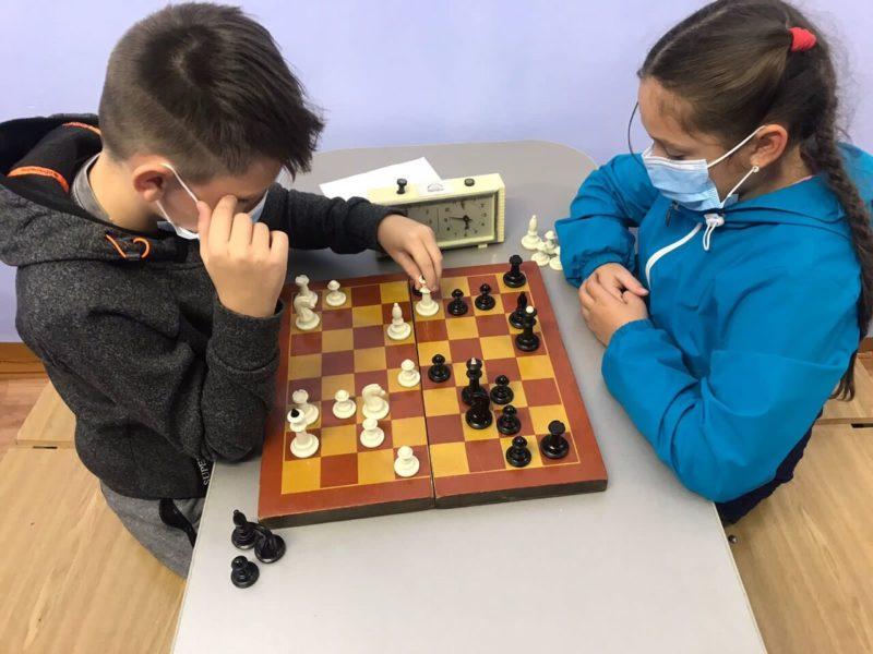 Среди сильнейших шахматистов муниципалитета — школьники
